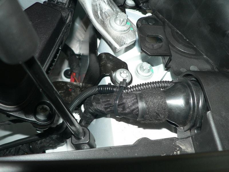 Защита проводов гофрой BMW X3 G01